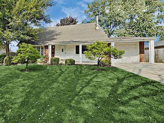 700 Northview Ln, Hoffman Estates, IL 60169