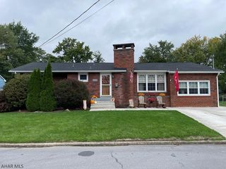 518 E Fairview Ave, Altoona, PA 16601