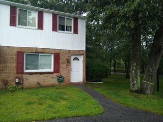 76 Wooded Ct, Calverton, NY 11933