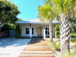 418 Columbus Ave, New Smyrna Beach, FL 32169