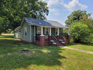 1063 Oakville Rd, Appomattox, VA 24522
