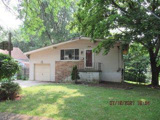 1654 Herkender Ave, Akron, OH 44310