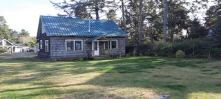 1027 SW 62nd St, Lincoln City, OR 97367