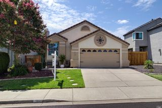 915 Tipperary Dr, Vacaville, CA 95688
