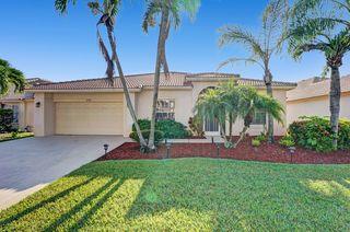 2724 Pointe Cir, West Palm Beach, FL 33413