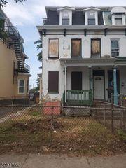 106 Walnut Ave, Trenton, NJ 08609