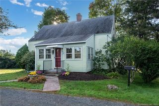 68 Meadow St, Guilford, CT 06437