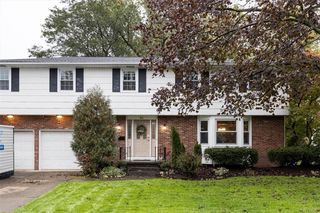 86 Halwill Dr, Amherst, NY 14226