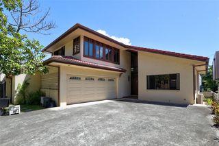 1572 Kalakaua Ave, Honolulu, HI 96826