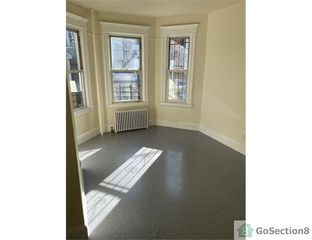 19 Lawrence St, Yonkers, NY 10705