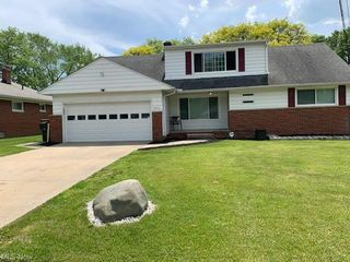 13612 Silver Rd, Garfield Heights, OH 44125