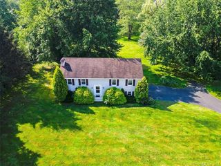 16 Standish Rd, New Milford, CT 06776