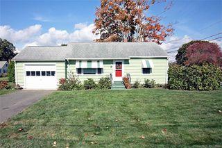 37 Maplewood St, Old Saybrook, CT 06475
