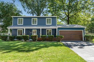 3625 Knollview Ave, West Bloomfield, MI 48324