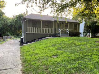 1420 N Glen Ellyn St, Independence, MO 64056