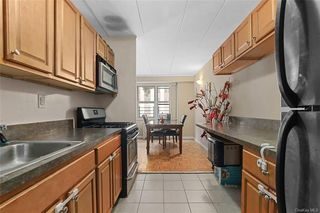 11 Park Ave #2L, Mount Vernon, NY 10550