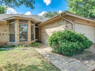 1725 Dorchester St, Fort Worth, TX 76134