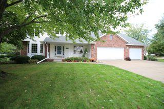 903 Durham Dr, Bloomington, IL 61704