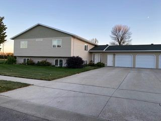 2506 14th Ave SE, Aberdeen, SD 57401