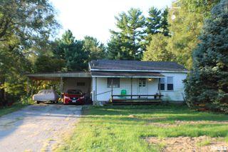 48 White Rd, Glenarm, IL 62536
