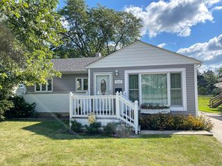 5635 Main St, Downers Grove, IL 60516