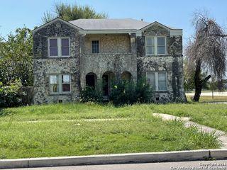 424 Club Dr, San Antonio, TX 78201