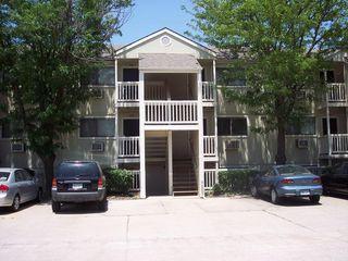 2120 N Old Manor Rd #204, Wichita, KS 67208
