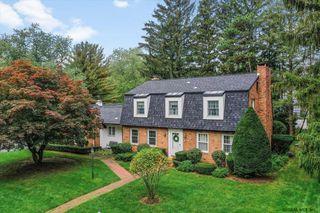 19 Pheasant Ridge Dr, Loudonville, NY 12211