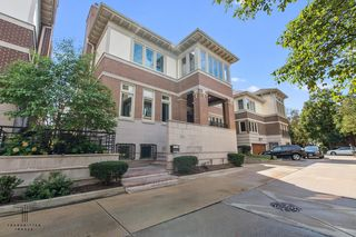 1314 S Plymouth Ct, Chicago, IL 60605