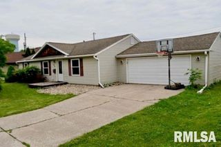 706 26th St, East Moline, IL 61244