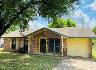 1162 Holmes Ct, Austin, TX 78702