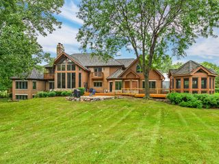 13535 W Lucky Lake Dr, Lake Forest, IL 60045
