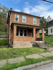 220 Fairview Ave, East Pittsburgh, PA 15112