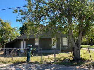 713 Wright Ct, Granbury, TX 76048