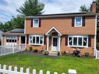 90 Old Colony Dr, Waterbury, CT 06708