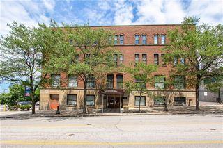 1133 W 9th St #410, Cleveland, OH 44113