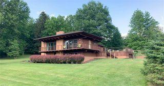 2748 Lodge Rd SW, Sherrodsville, OH 44675