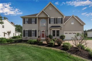 10681 Rosewood Ln, Clarence, NY 14031