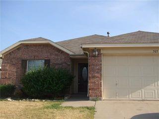 505 Fairbrook Ln, Fort Worth, TX 76140