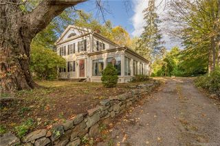 15 Neck Rd, Old Lyme, CT 06371