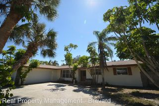 521 Andrews Dr, Melbourne Beach, FL 32951