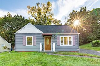48 Hawthorne Rd, New Haven, CT 06513