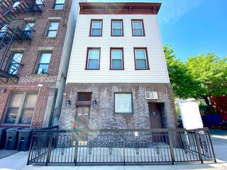 274 3rd Ave #3, Brooklyn, NY 11215