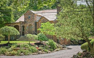 902 Delafield Rd, Pittsburgh, PA 15215