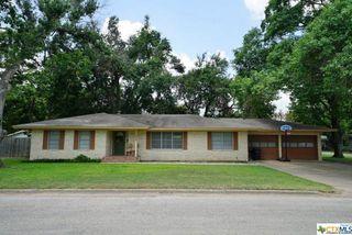1406 N Jackson Ave, Cameron, TX 76520