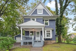 98 Sidney St, Rochester, NY 14609