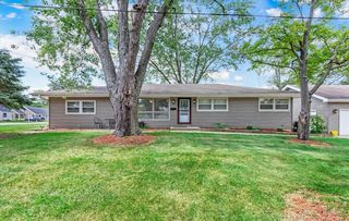 206 Montana Dr, Cary, IL 60013