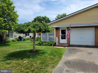 25 Magnolia Rd #13, Manahawkin, NJ 08050