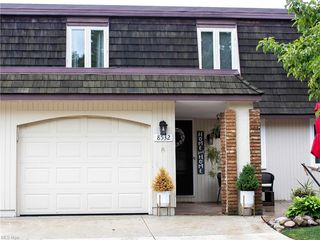 8532 Tanglewood Trl, Chagrin Falls, OH 44023