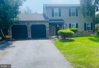 112 Marie Dr, Sinking Spring, PA 19608
